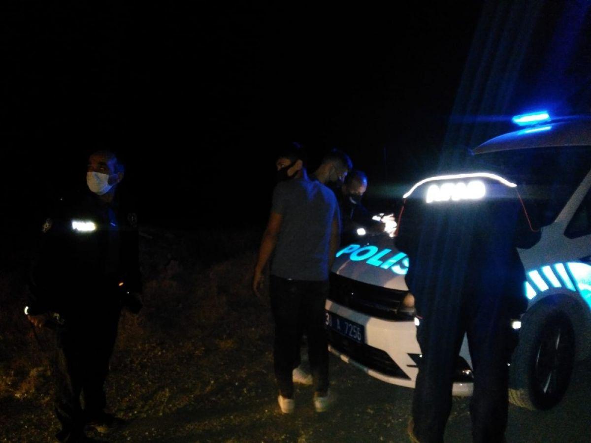 Kayseri de dağlık alanda mahsur kalan 4 genç kurtarıldı #2