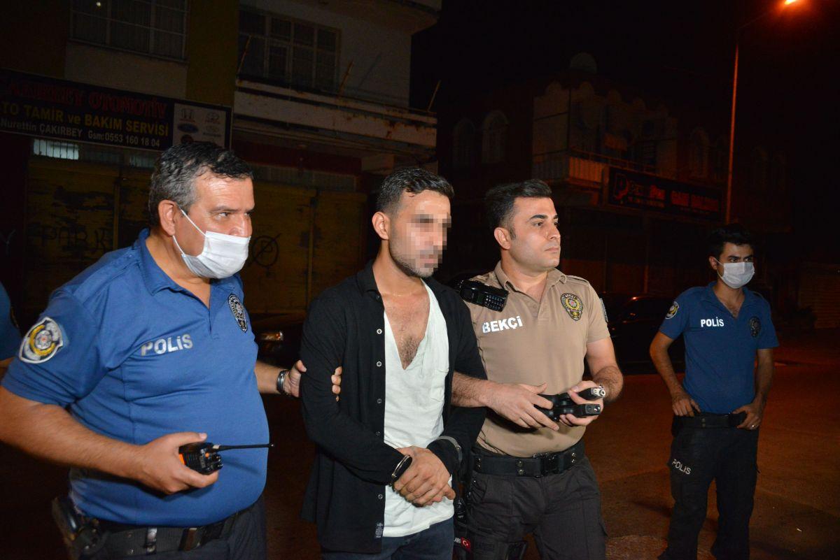 Adana da 2 silahla yakalanan kişi: Koruma amaçlı taşıyorum #1
