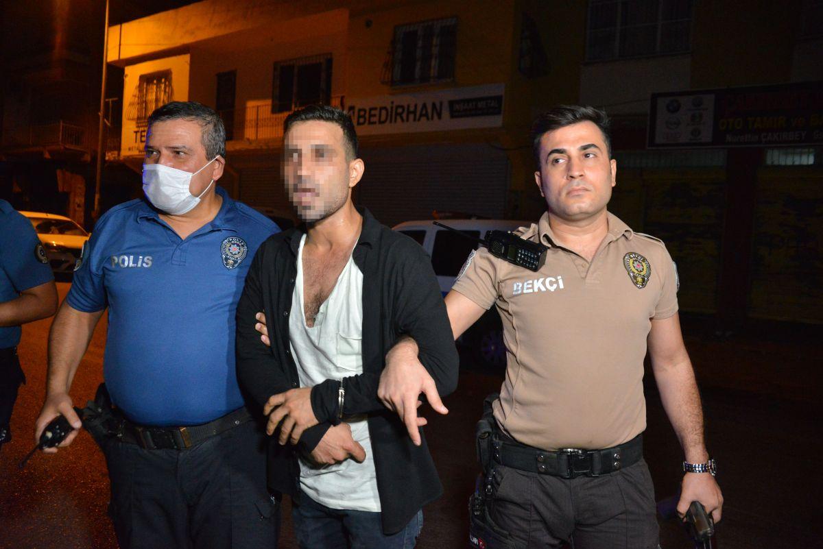 Adana da 2 silahla yakalanan kişi: Koruma amaçlı taşıyorum #2