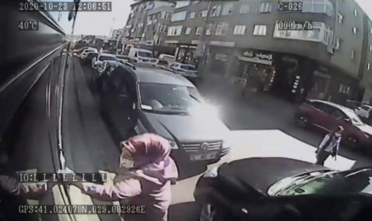 Ümraniye de otobüse alınmayan kadın terör estirdi #3
