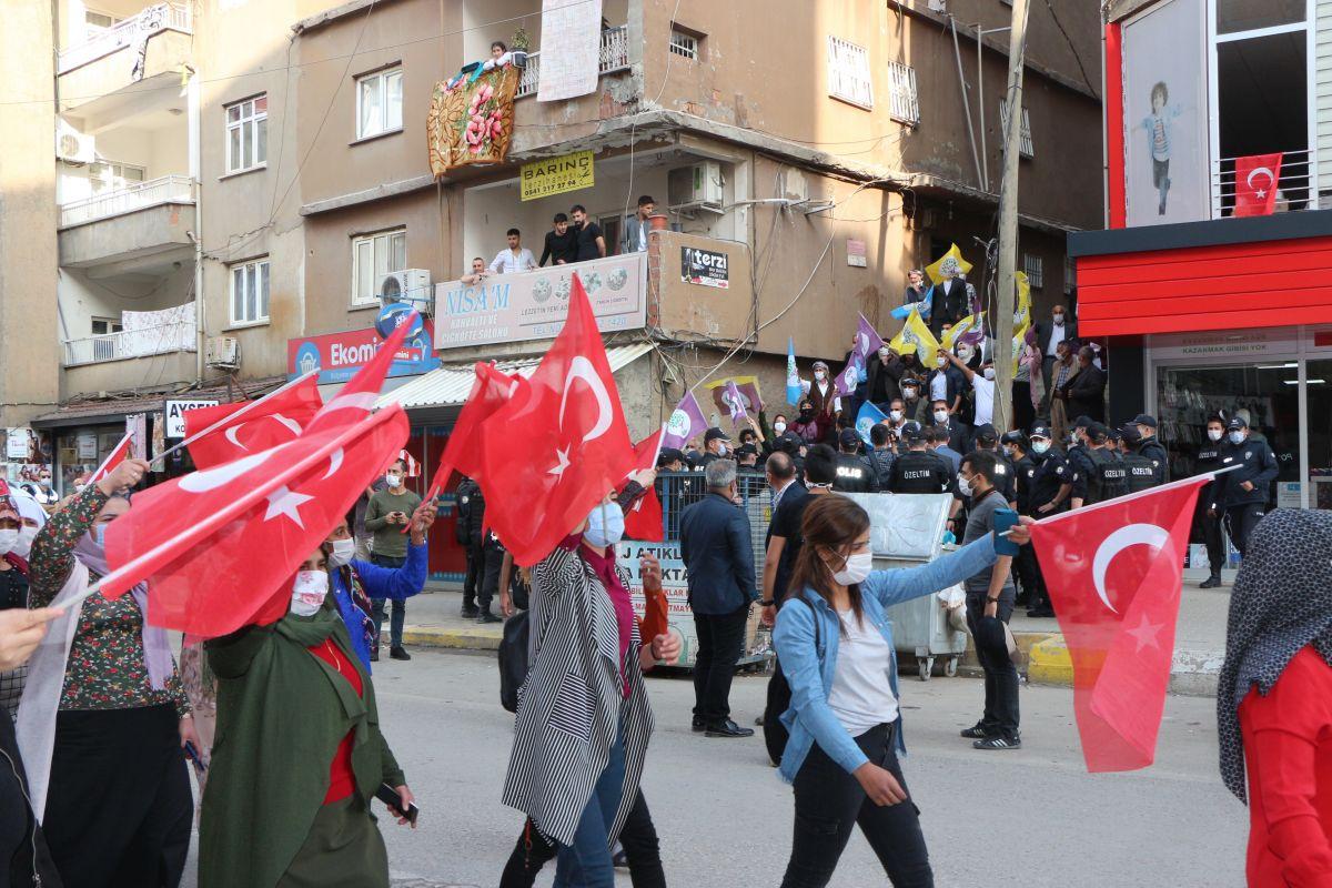 Şırnak ta HDP li vekil, PKK ya karşı eylem yapan annelere karşı durdu #5
