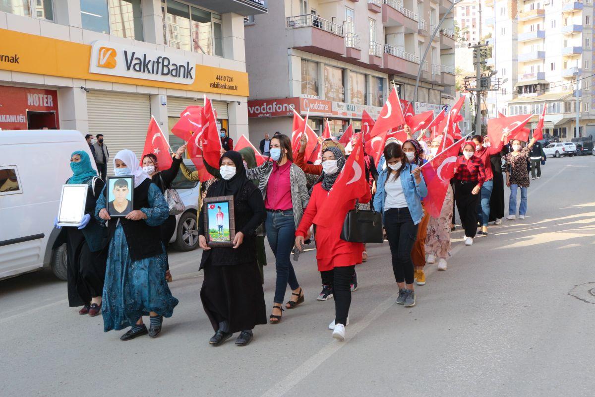 Şırnak ta HDP li vekil, PKK ya karşı eylem yapan annelere karşı durdu #1