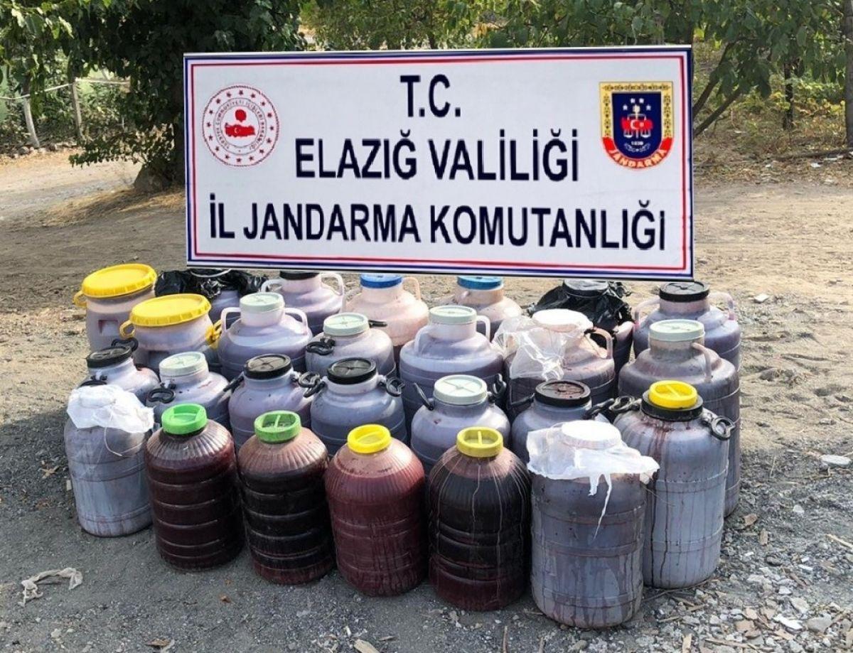 Elazığ'da 1 tondan fazla kaçak şarap ele geçirildi #4