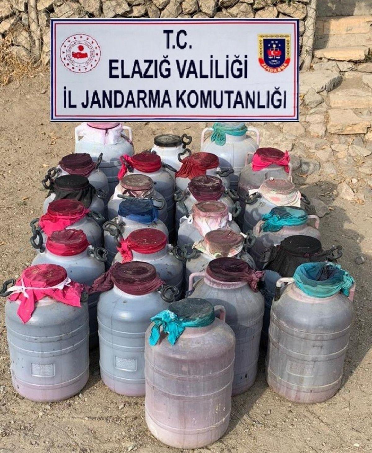 Elazığ'da 1 tondan fazla kaçak şarap ele geçirildi #5
