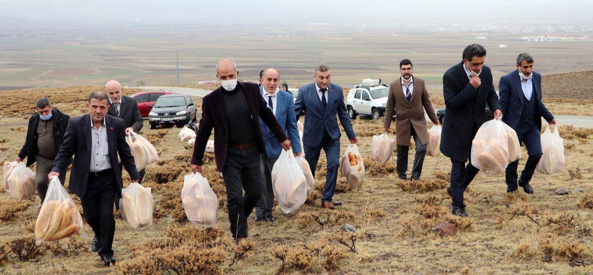 Erzurum da doğaya yine 2001 ekmek bıraktılar #4