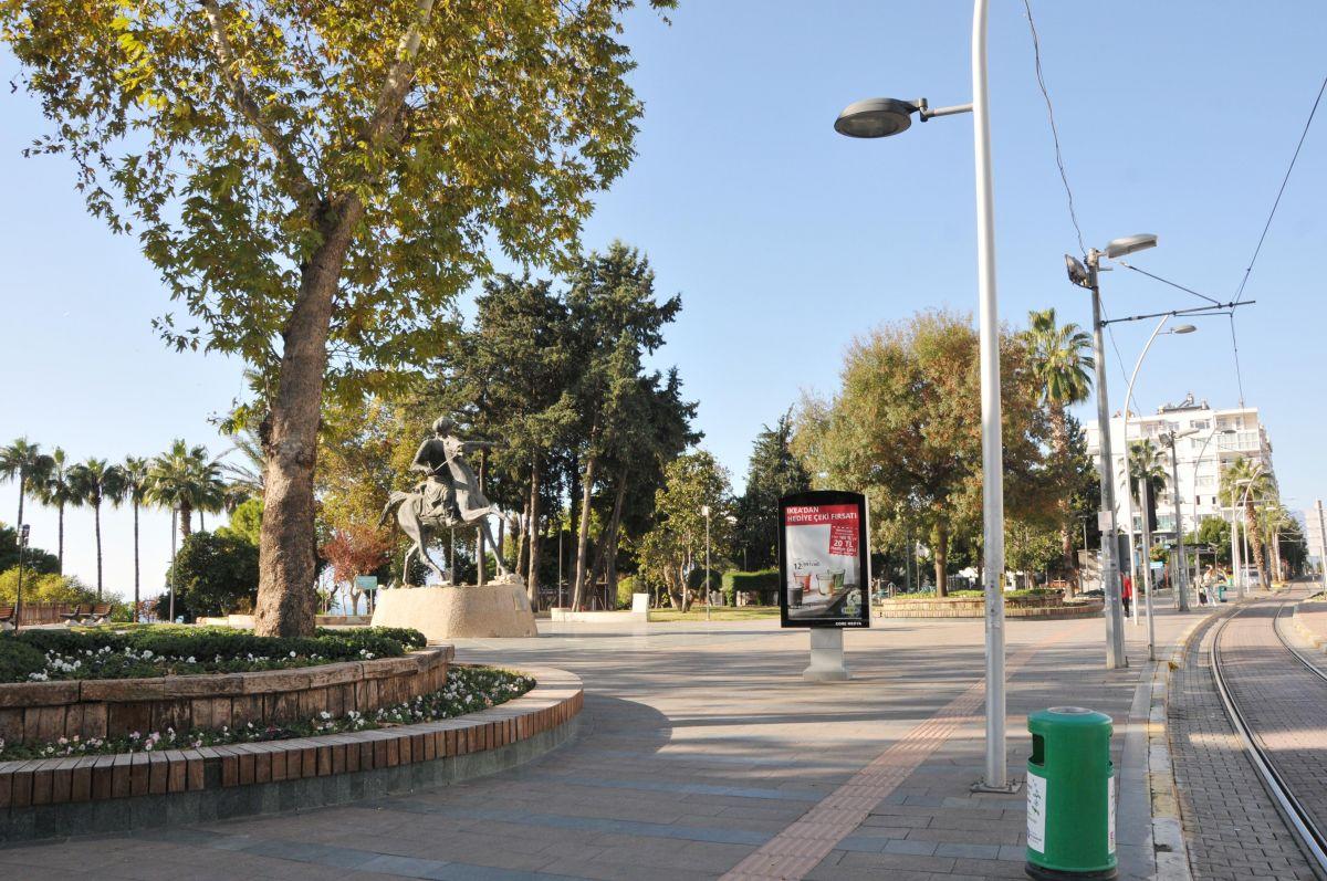 Antalya da yasaklar yanlış anlaşıldı: Sokaklar boş kaldı #1