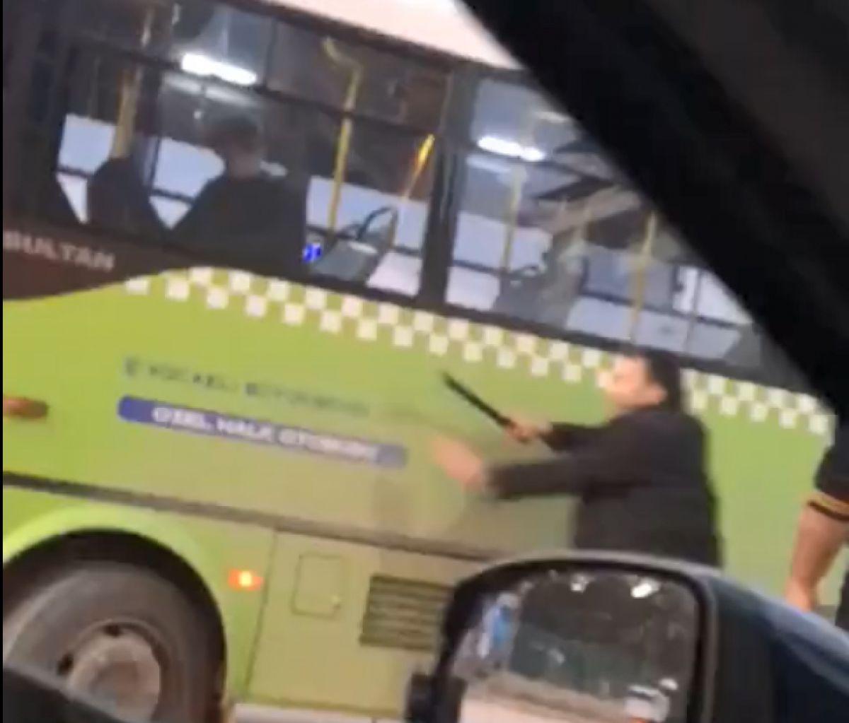 Kocaeli de halk otobüsü şoförüne copla saldırdı #1