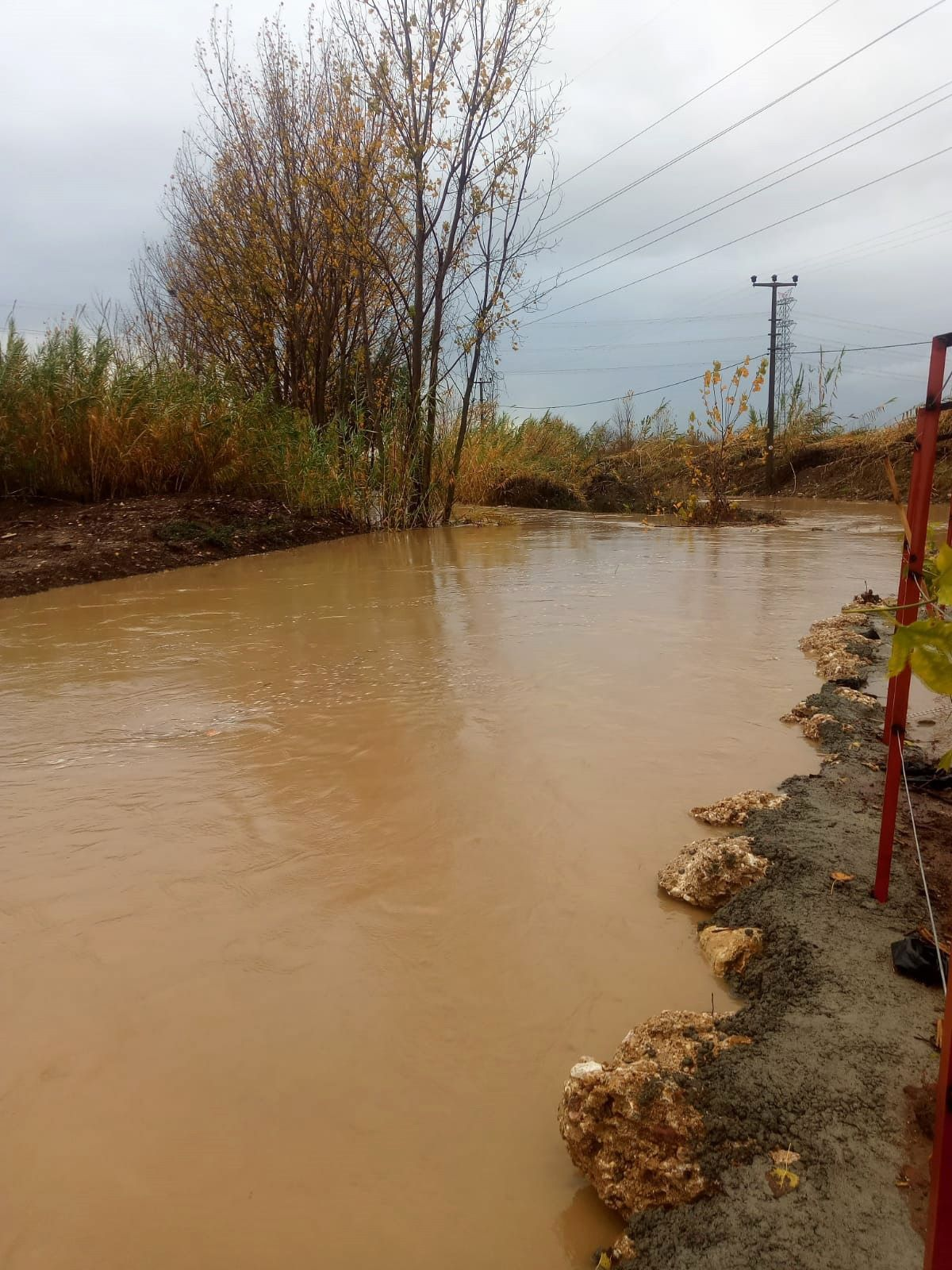 Antalya da sağanak yağış, su baskınına neden oldu #2