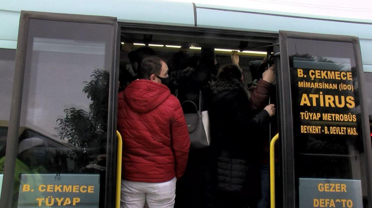 Esenyurt ta fazla yolcu alan minibüslere ceza kesildi #3