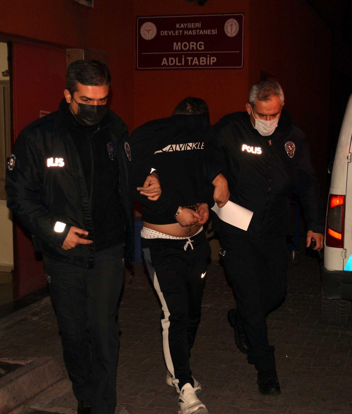 Kayseri de, eşi tarafından alıkonulan kadını polis kurtardı #1