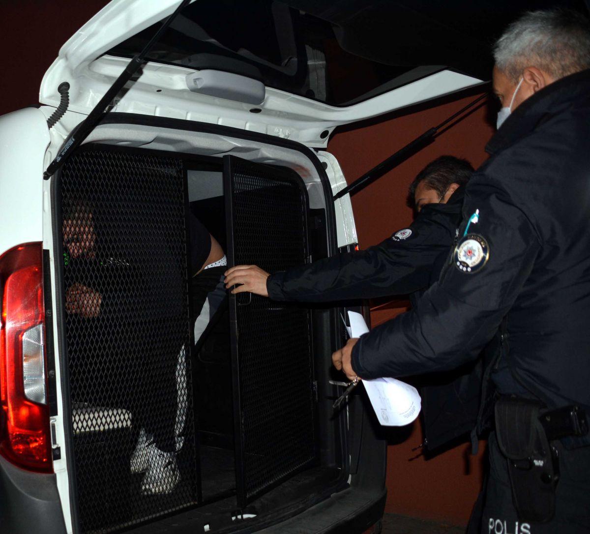 Kayseri de, eşi tarafından alıkonulan kadını polis kurtardı #4