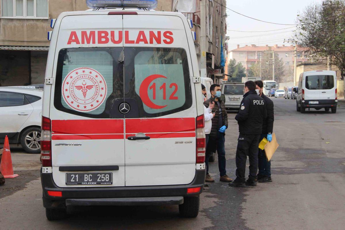 Diyarbakır da kuma getiren kocasını bıçakladı #2