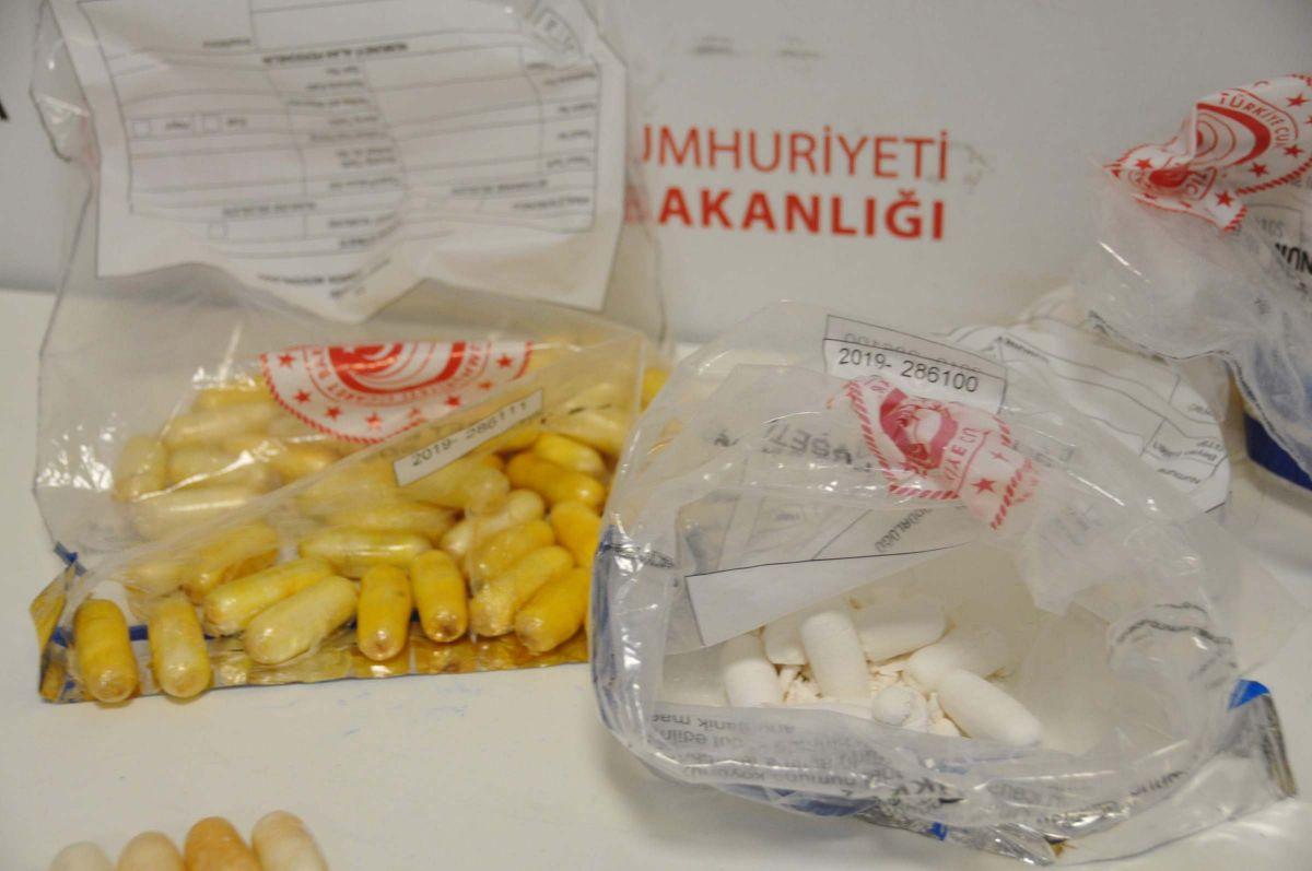 İstanbul Havalimanı nda yolcuların midesinden uyuşturucu çıktı #5