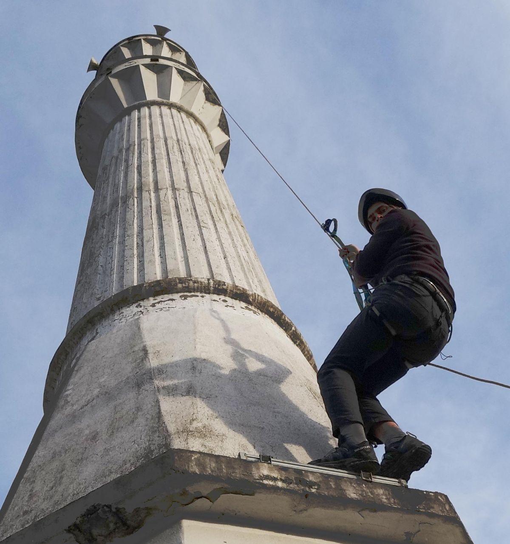 Giresun da dağcı imam minareyi boyayacak #3