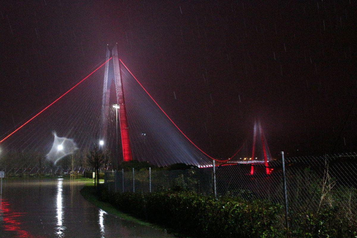 İstanbul da kar yağışı etkisini artırdı #1