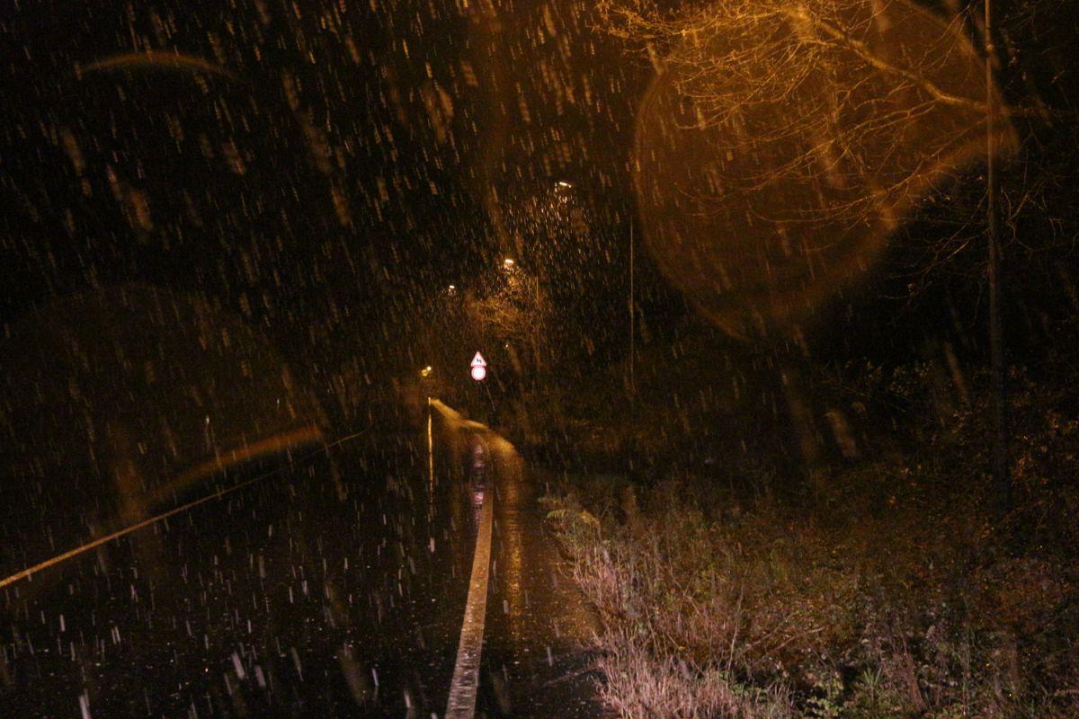 İstanbul da kar yağışı etkisini artırdı #8