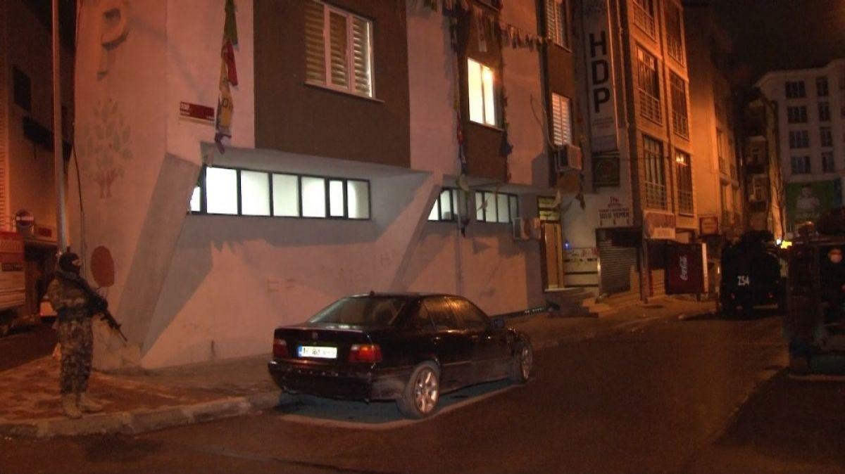 Esenyurt ta HDP ilçe binasına operasyon #3
