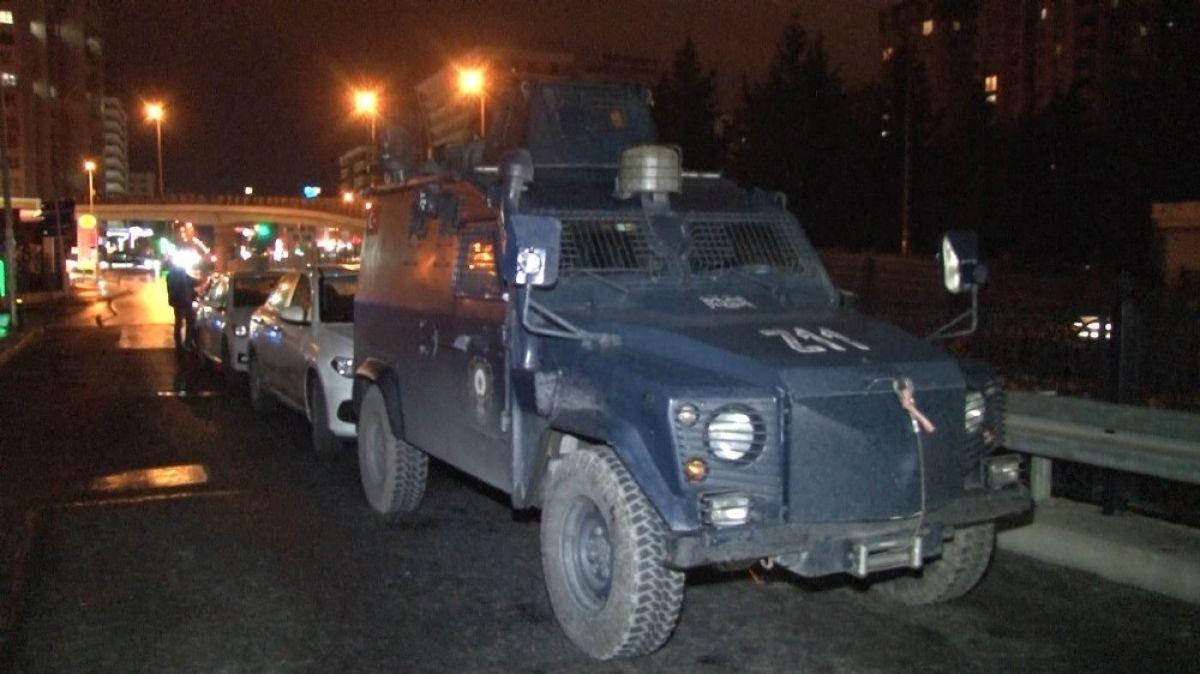 Esenyurt ta HDP ilçe binasına operasyon #1
