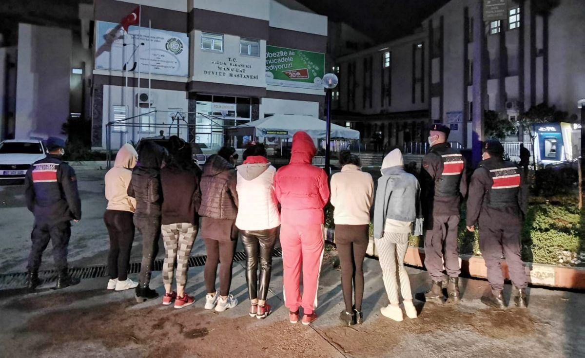 Manavgat'ta 12 kadın, fuhuş çetesinden kurtarıldı