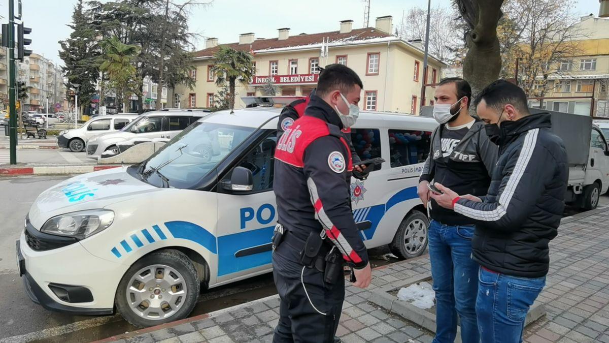 Bursa da ekmek almaya çıktığını iddia edenlere, kısıtlama cezası verildi #3