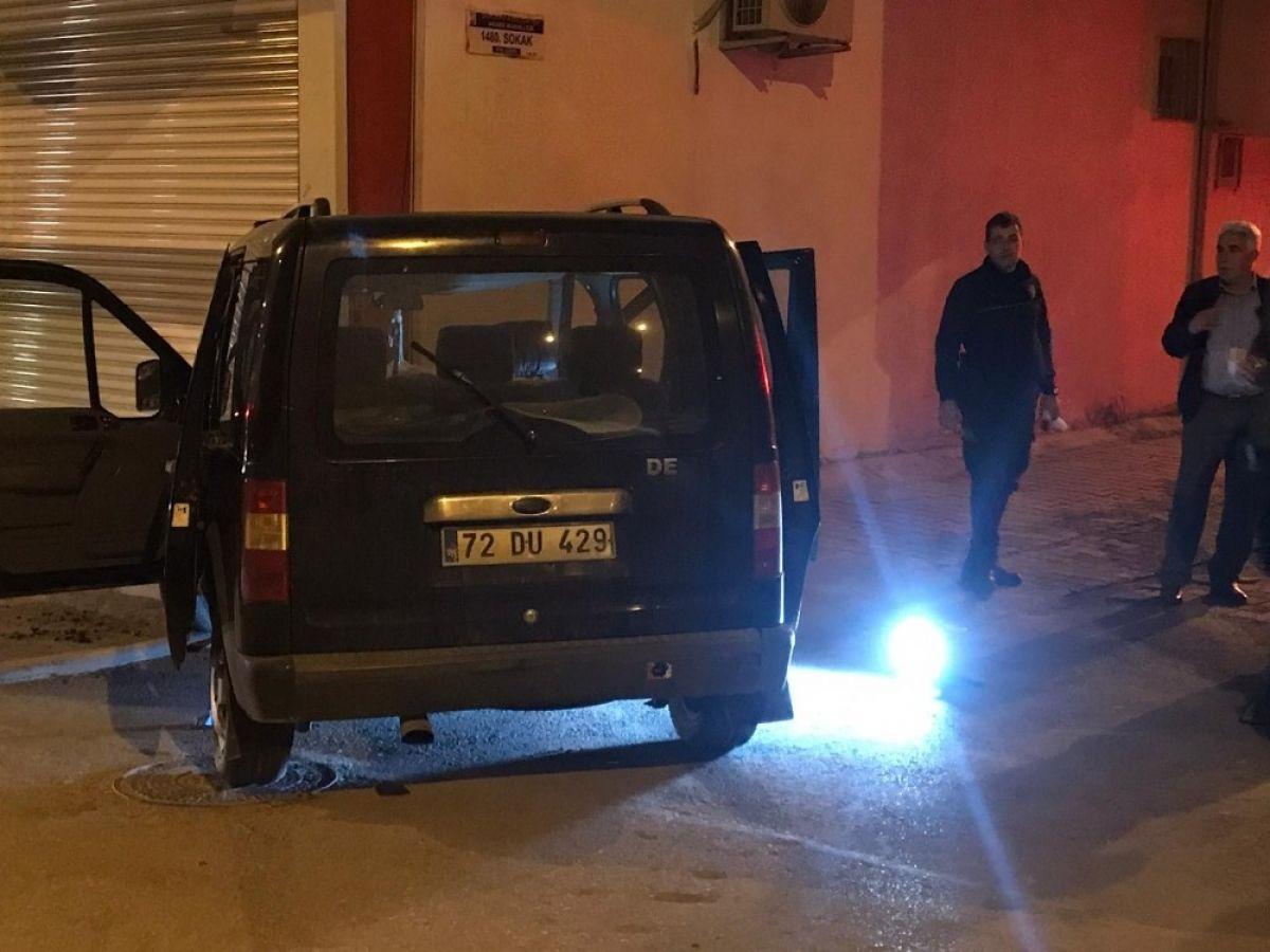Şanlıurfa da şüpheli araçtan uyuşturucu ve silah çıktı #2