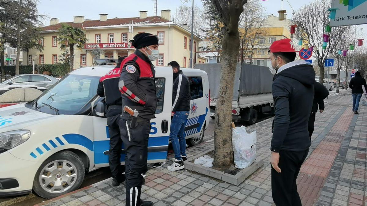 Bursa da ekmek almaya çıktığını iddia edenlere, kısıtlama cezası verildi #5