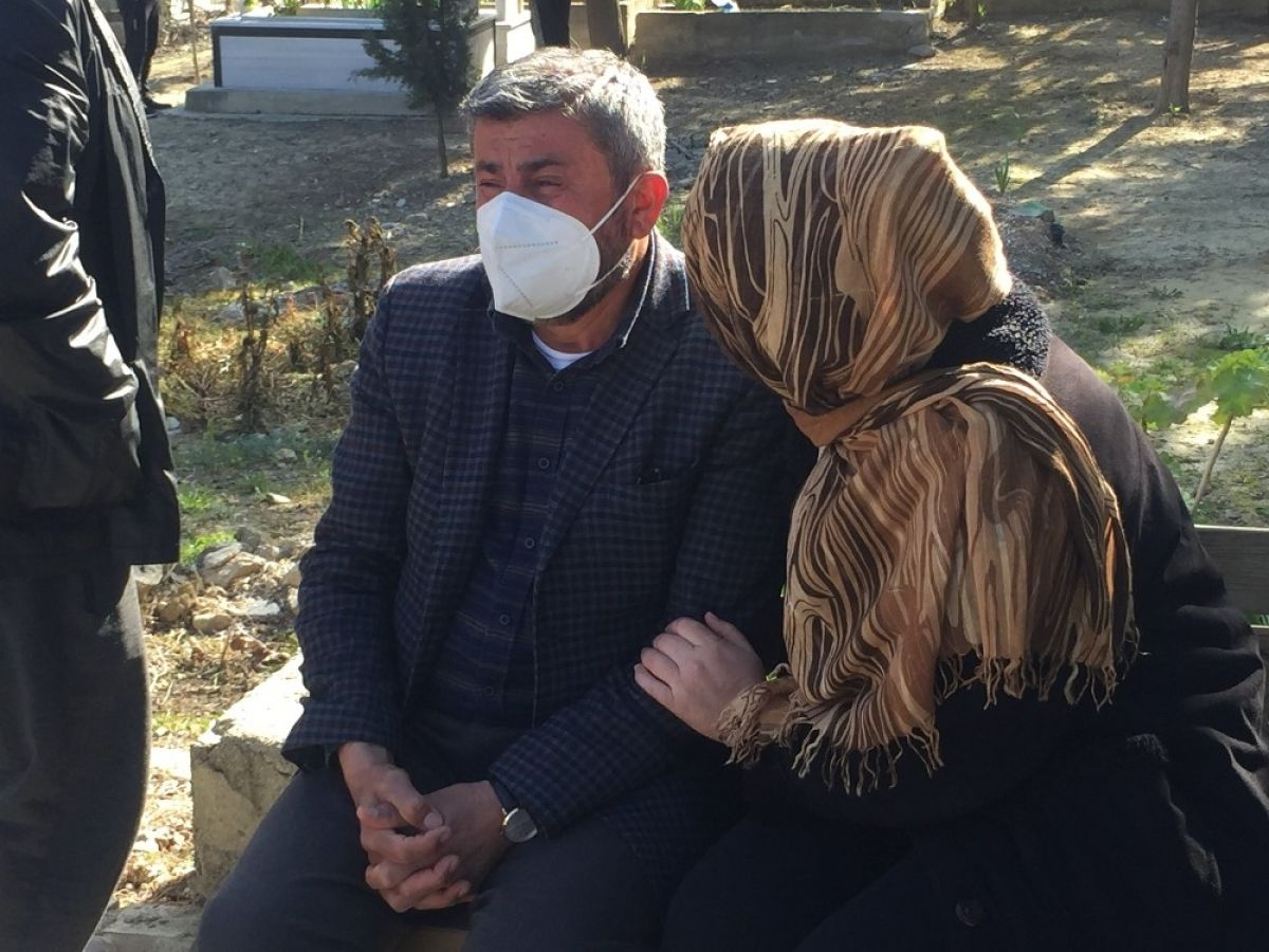Adana da 15 Temmuz şehidi ikiz polislerin mezarlarına alçak saldırı #3