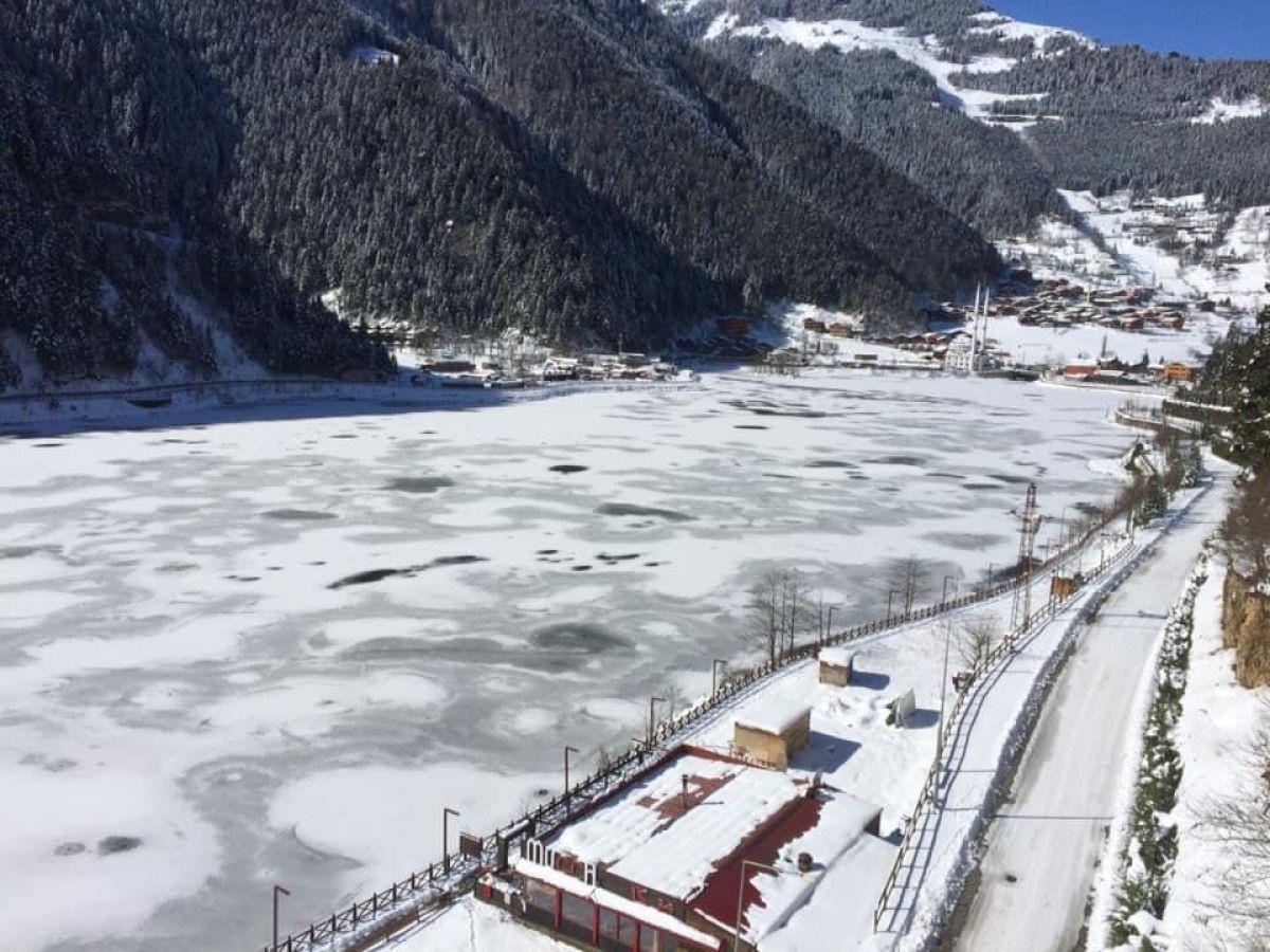 Trabzon a yağan karla birlikte, Uzungöl buz tuttu #1