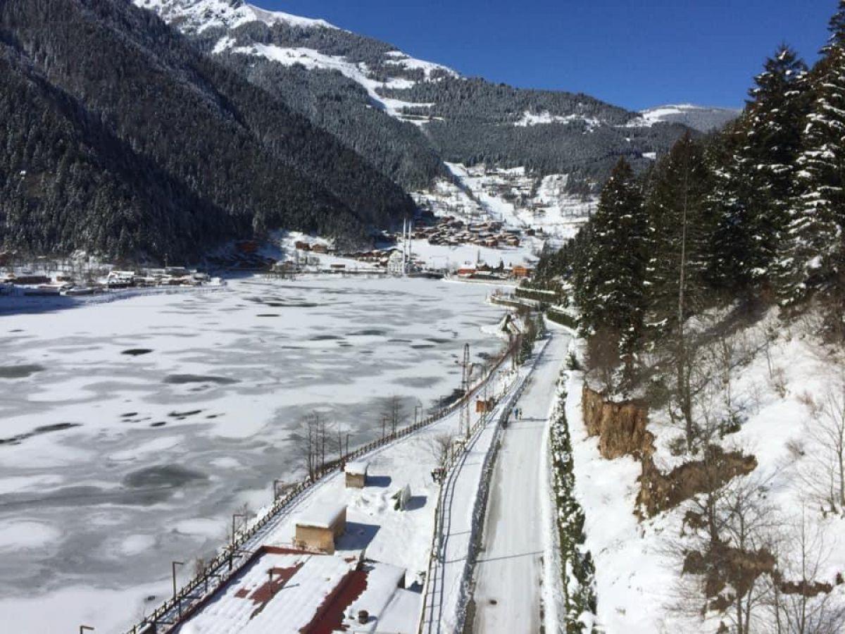 Trabzon a yağan karla birlikte, Uzungöl buz tuttu #9