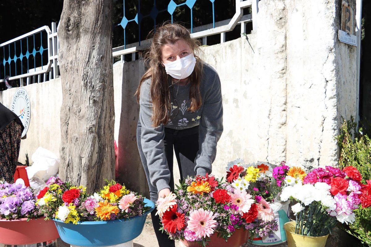 Hatay da çiçekçilik yapan kadının kızı Oxford da okumuyor #2