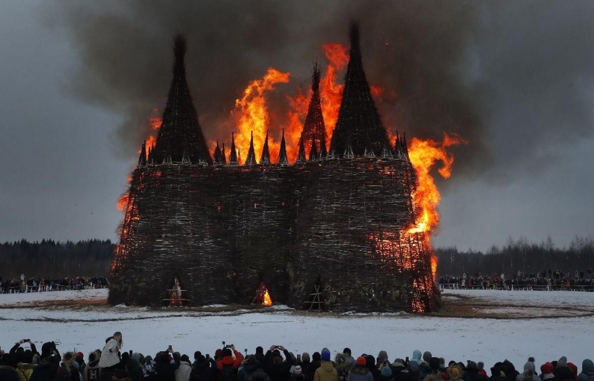 Rusya da koronavirüse karşı dev kaleyi ateşe verdiler #2