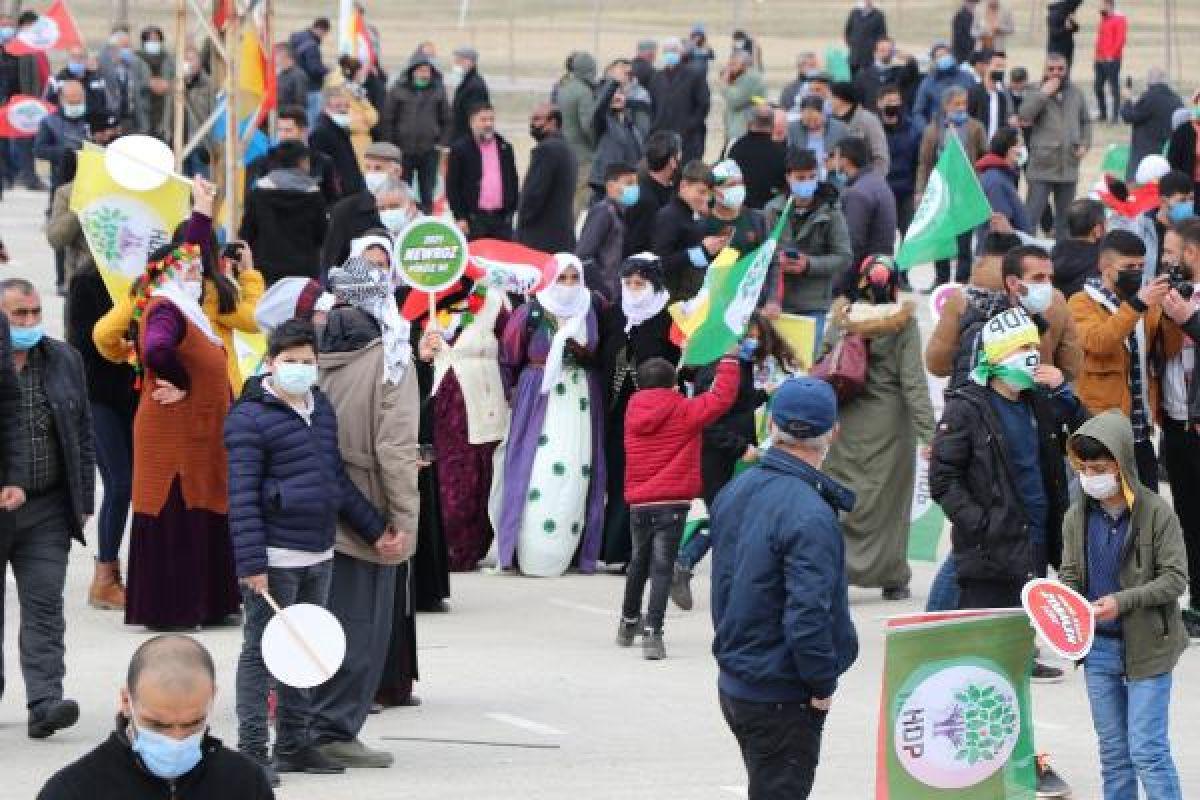 Van da HDP nin organize ettiği nevruz kutlamaları başladı #7