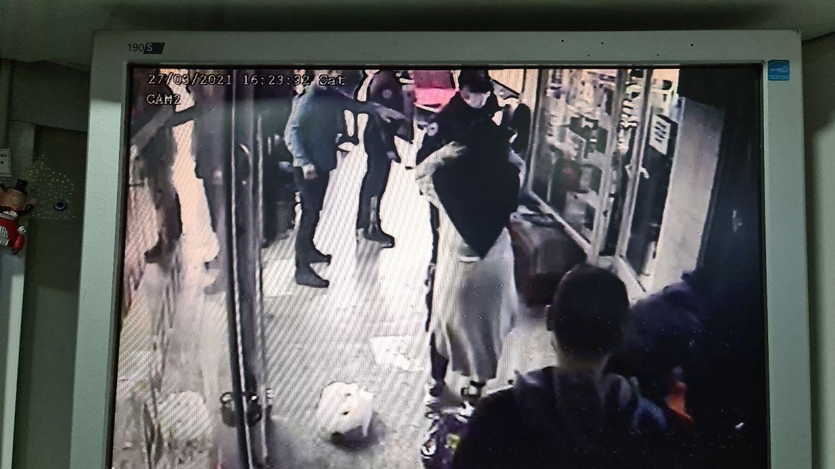 Karabük te kimliği istenen kişinin yakınları polisleri uğraştırdı #2