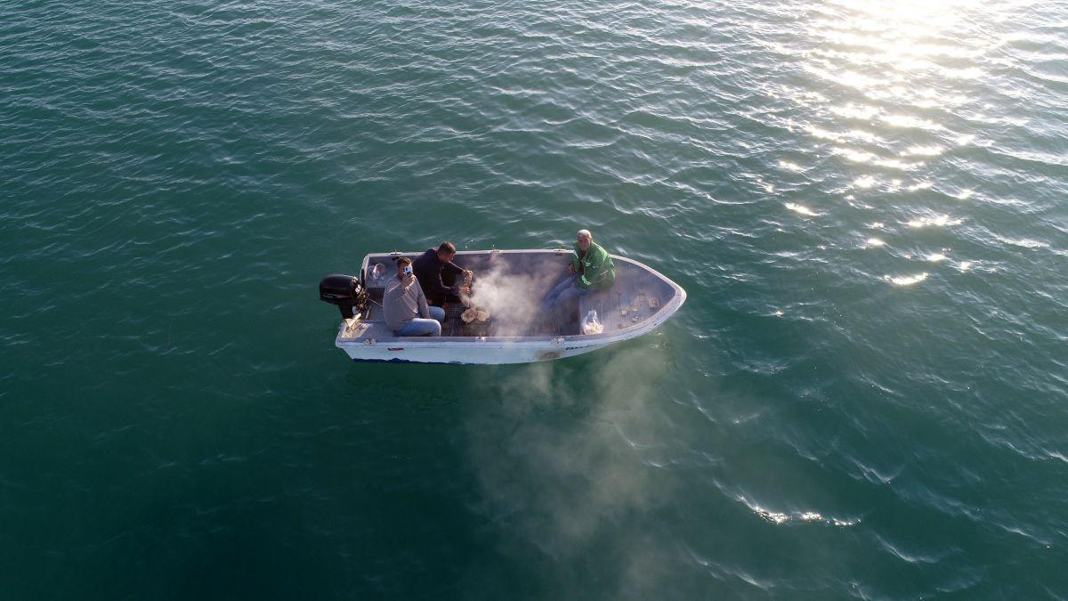 Adana da 3 arkadaş teknede mangal yaktı #3