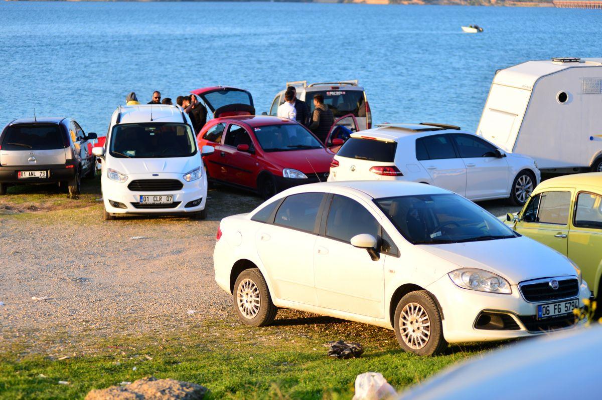 Adana da 3 arkadaş teknede mangal yaktı #10
