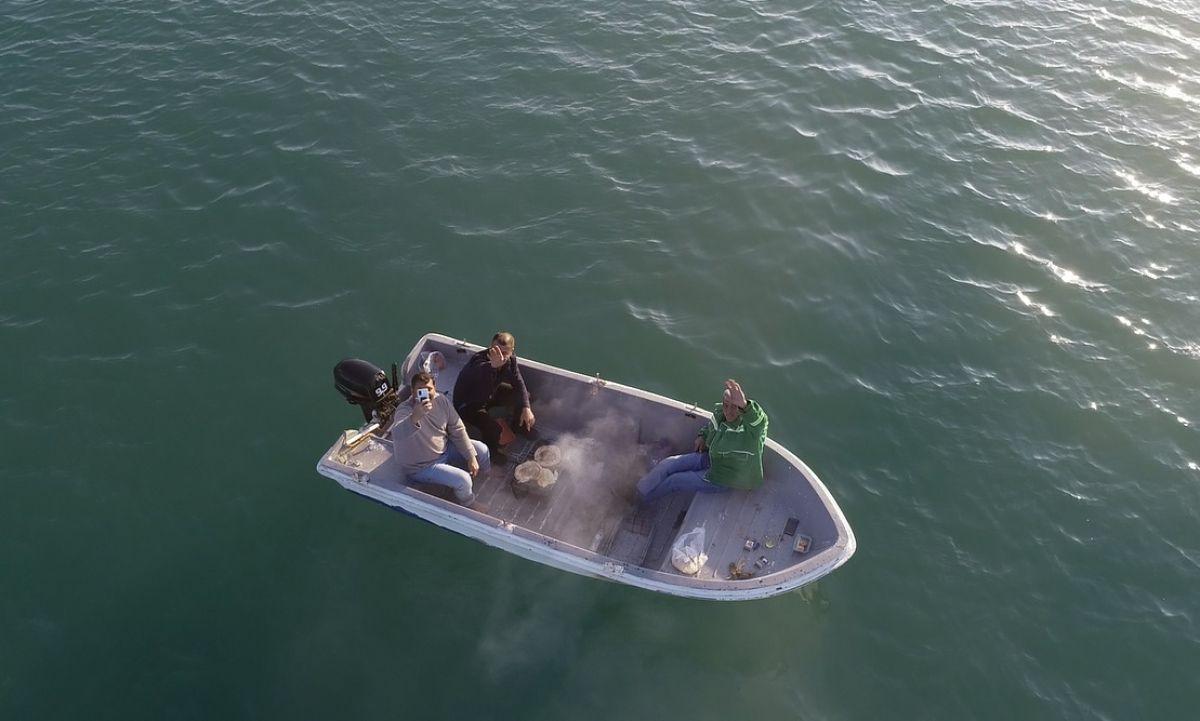 Adana da 3 arkadaş teknede mangal yaktı #2