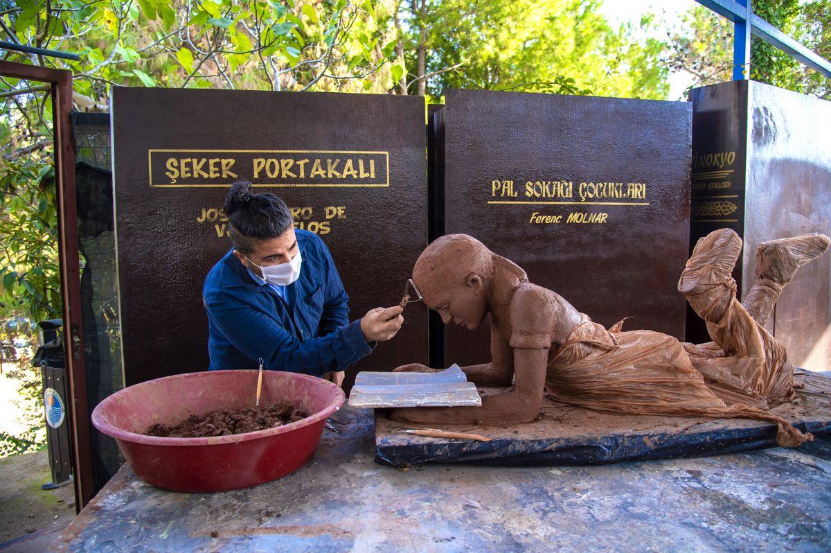 Mersin de heykeller bu kez çocuklar için yapılıyor #1