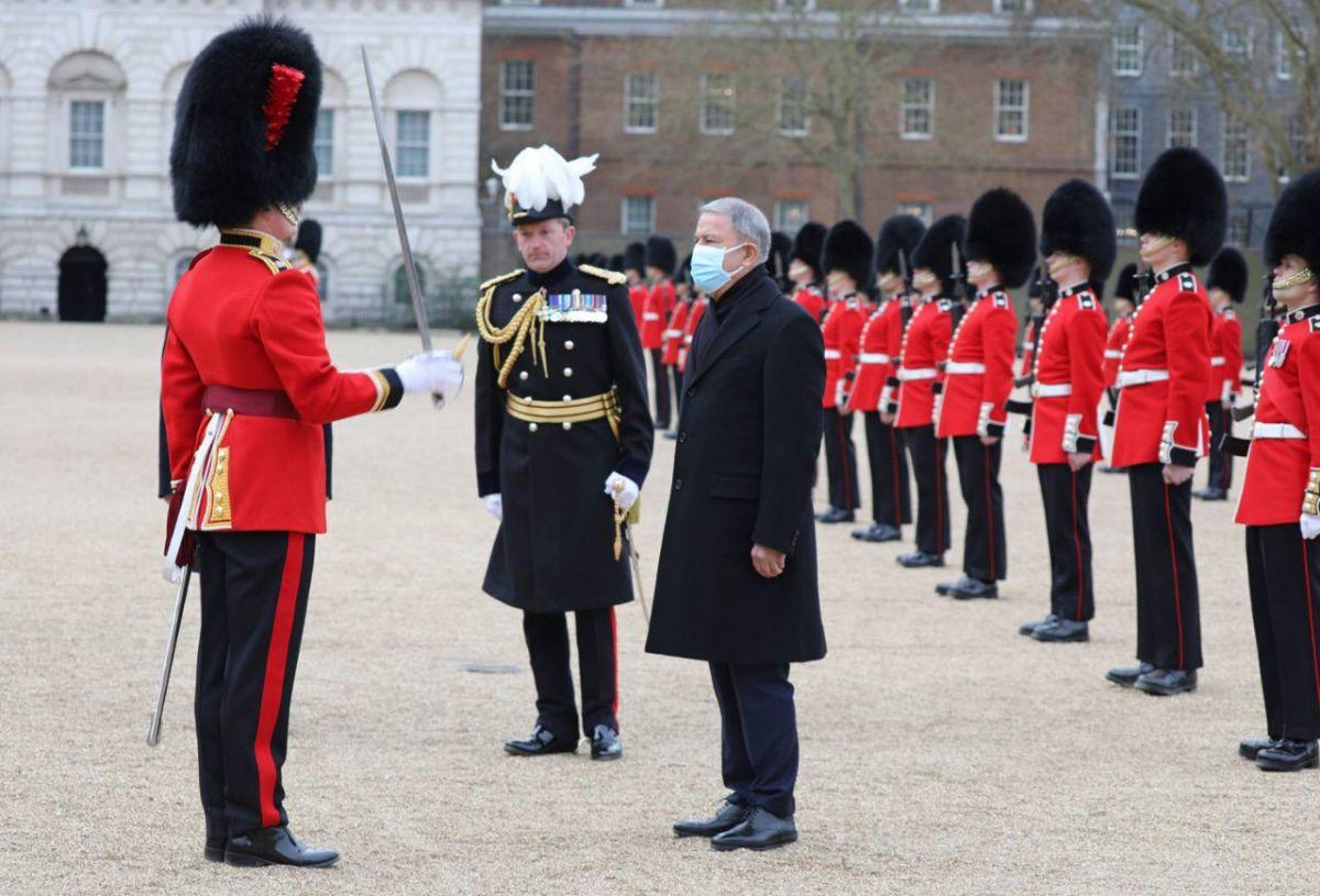 Milli Savunma Bakanı Hulusi Akar Londra da #4