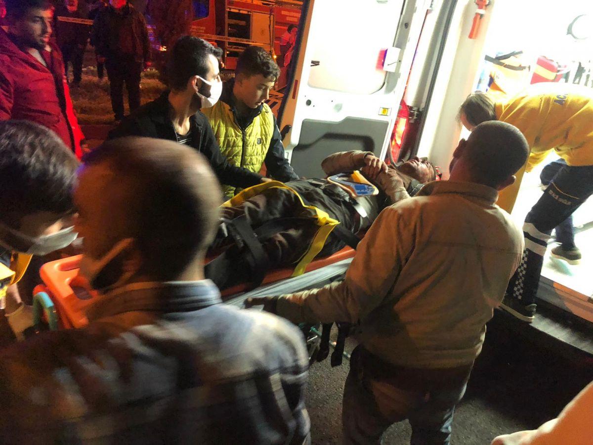 Manisa'da feci kaza: 2 ölü, 4 yaralı #9