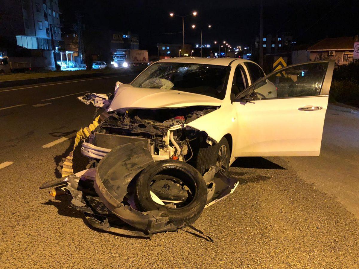 Manisa'da feci kaza: 2 ölü, 4 yaralı #10