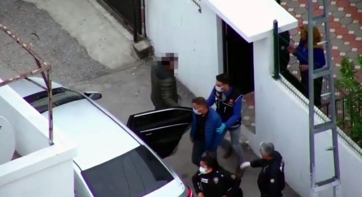 Adana da 'Kübra' şifresiyle uyuşturucu satan 7 şüpheli tutuklandı #10