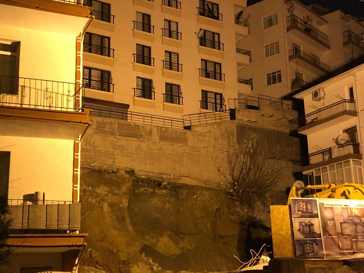 Ankara da, temeli kayan apartman nedeniyle 21 bina tahliye edildi #4