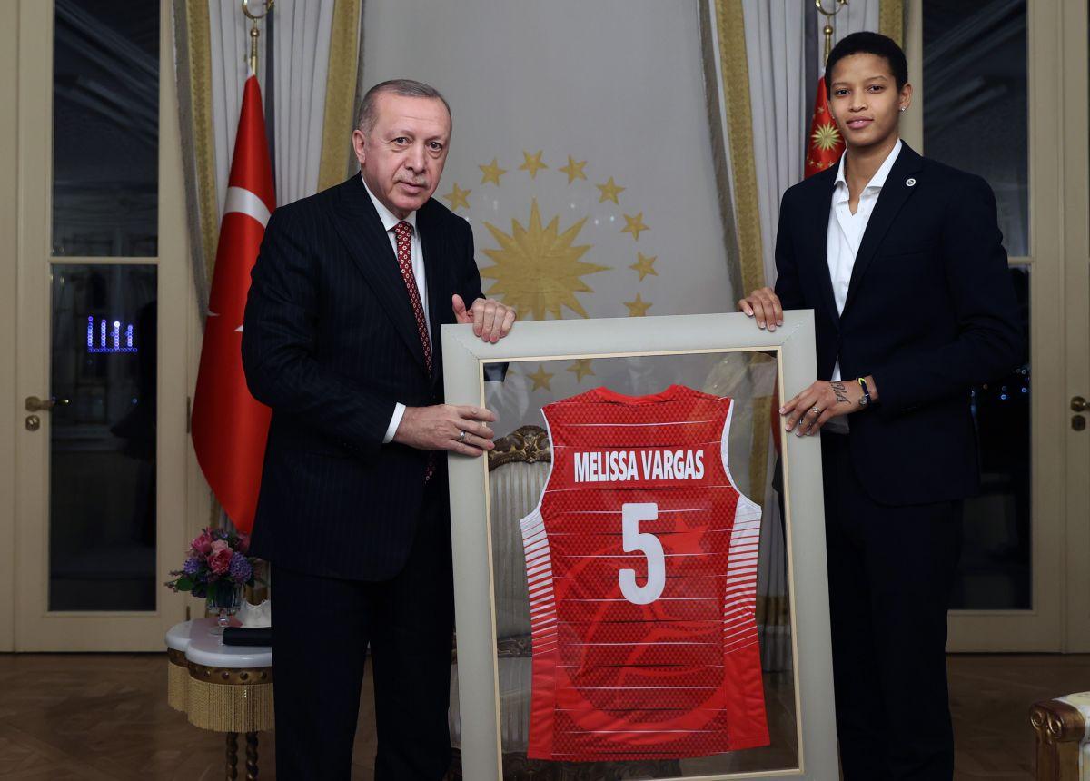 Cumhurbaşkanı Erdoğan, Türkiye Voleybol Federasyonu heyetini kabul etti #5