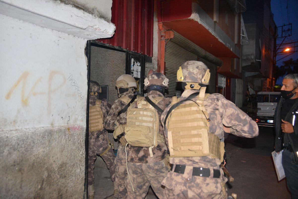 Adana da 'Kübra' şifresiyle uyuşturucu satan 7 şüpheli tutuklandı #7