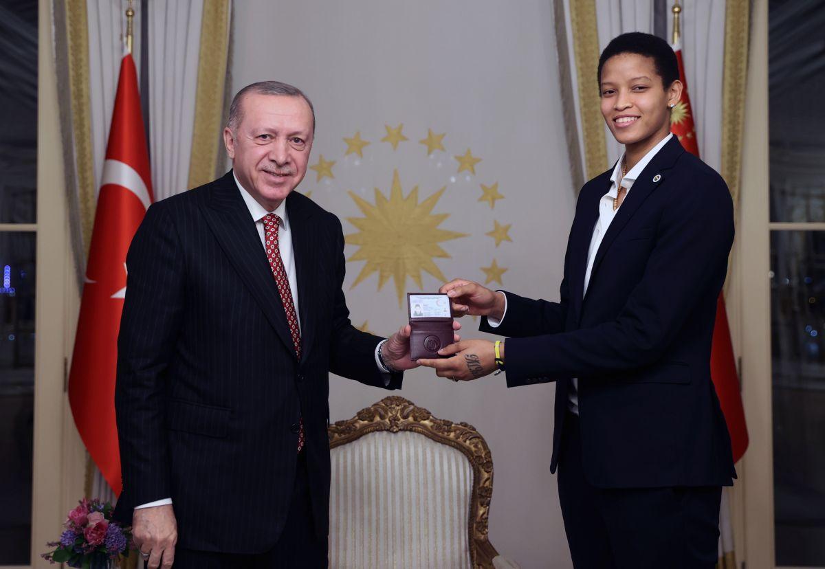 Cumhurbaşkanı Erdoğan, Türkiye Voleybol Federasyonu heyetini kabul etti #3