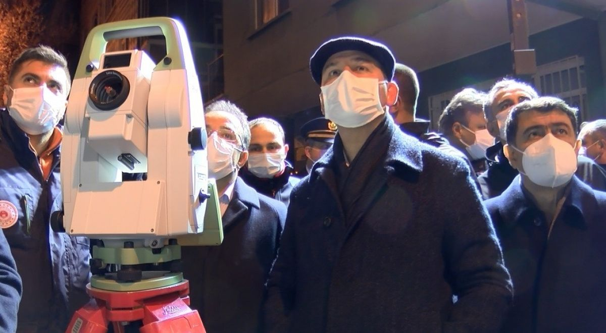 İçişleri Bakanı Soylu, mağduruz diyen Açelya apartmanı sakinini teselli etti #4