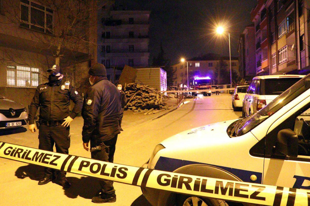 Ankara da toprak kayması nedeniyle bir apartman tahliye edildi #4
