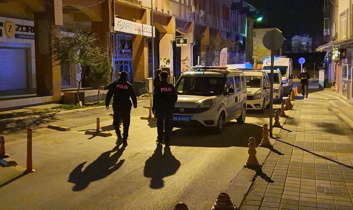 Kütahya da bir kadın iftar yemeğinde eski eşi tarafından bıçaklandı #9