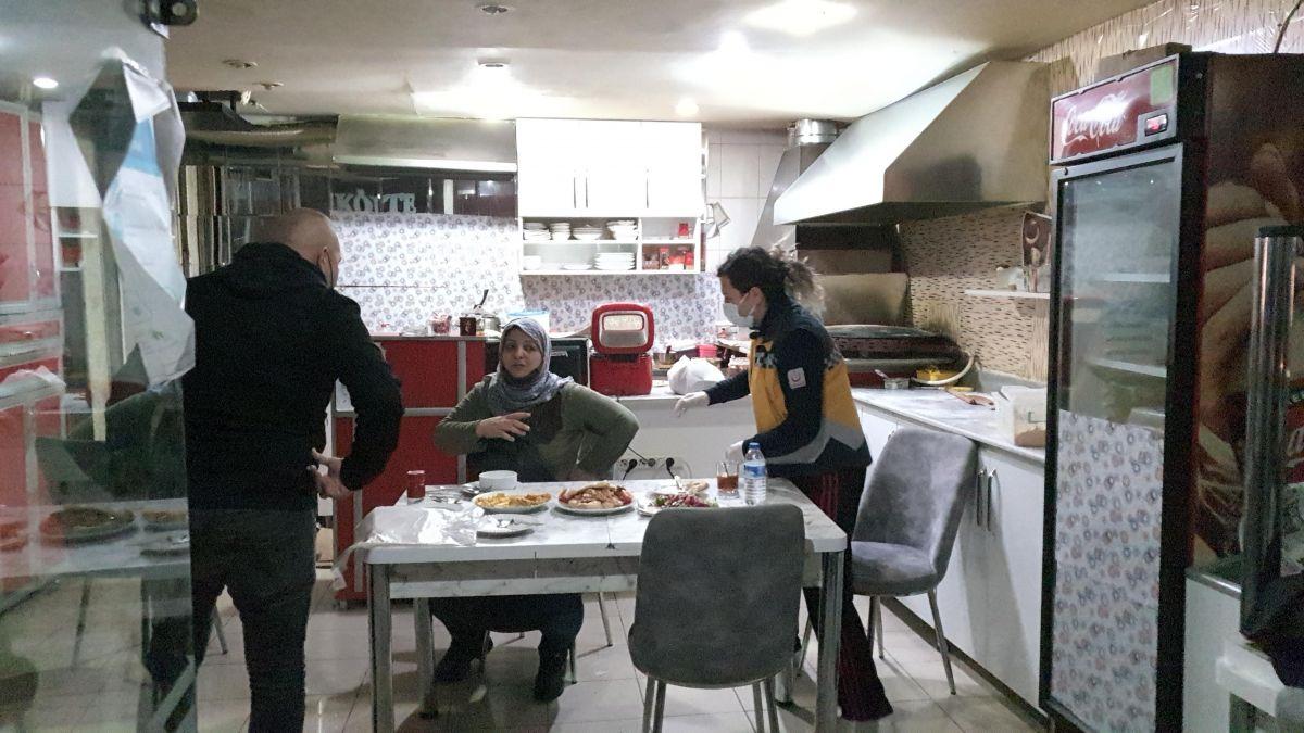 Kütahya da bir kadın iftar yemeğinde eski eşi tarafından bıçaklandı #1