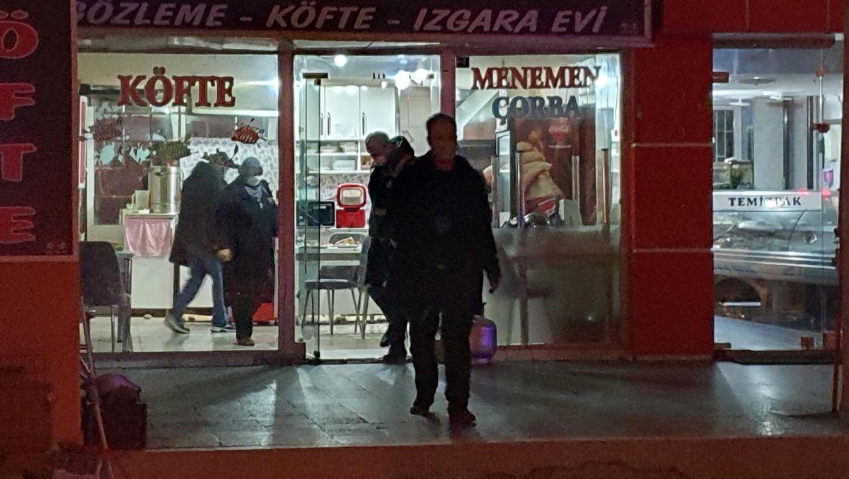 Kütahya da bir kadın iftar yemeğinde eski eşi tarafından bıçaklandı #10